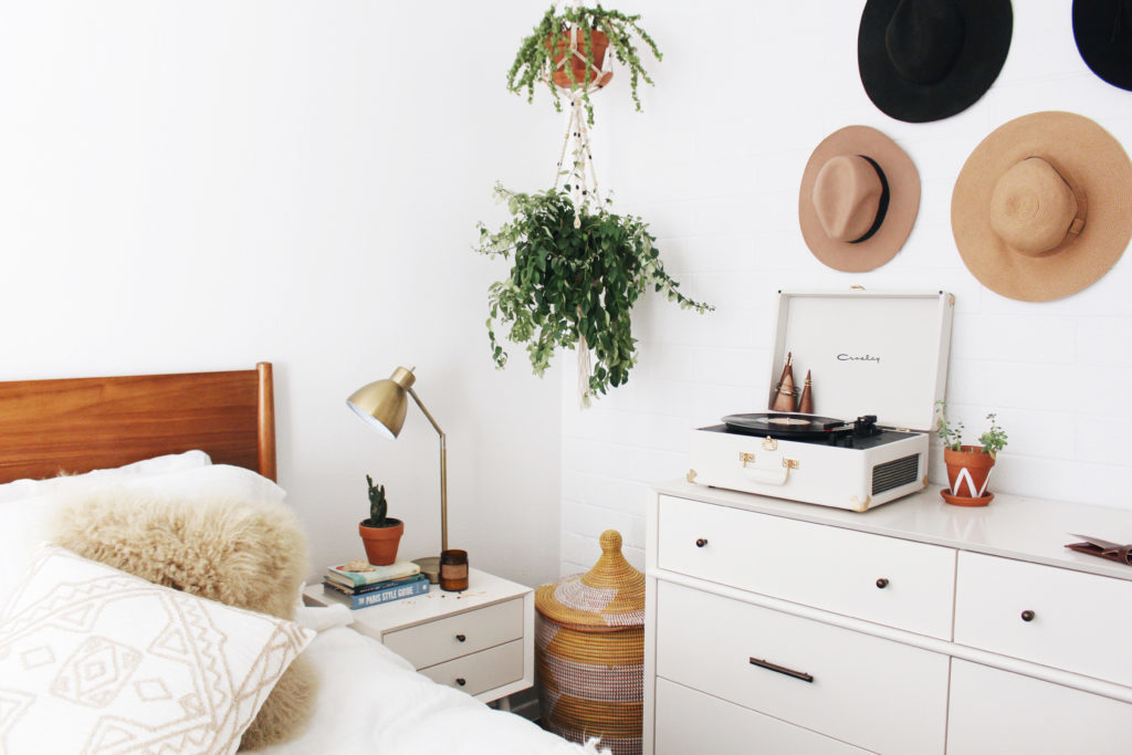 Inspiring Minimalist Bedrooms That Will Make You Redecorate Your Room